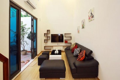*Cozy & Comfortable 4 Bedroom House Rental in Au Co street, Tay Ho*