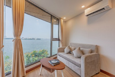 *Deluxe LAKE VIEW Apartment Rental in Central Òf Hanoi, Viet Nam*